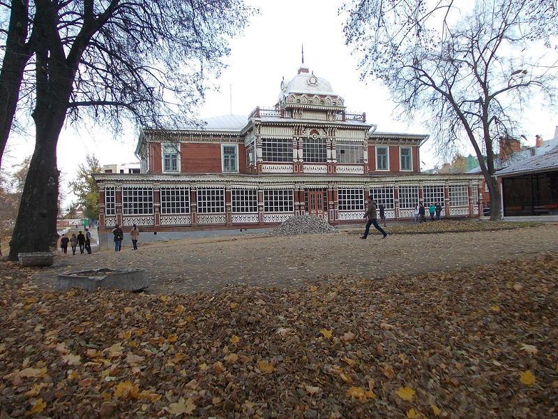 Здание дворянского собрания по улице Ленина