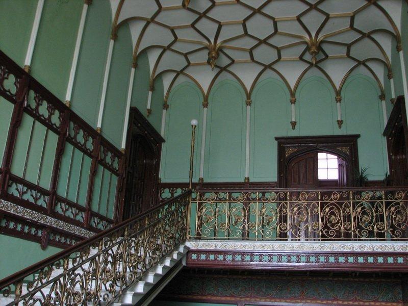 Дача-дворец Стамболи внутри
