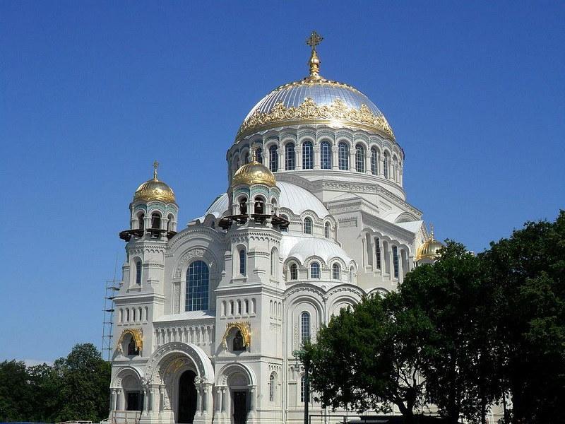Морской Никольский собор на Якорной площади
