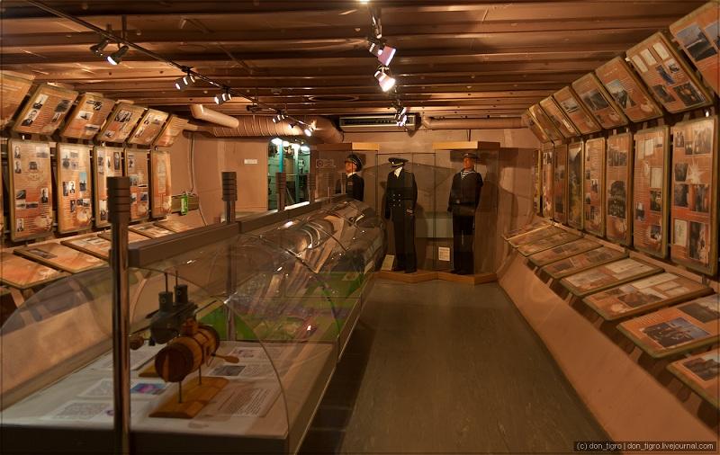 Музей-подводная лодка внутри