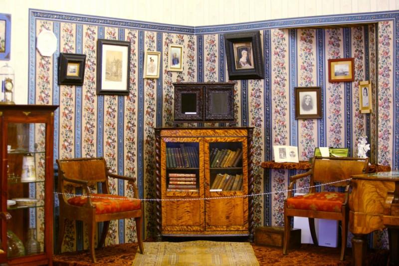 Музей-усадьба Софьи Ковалевской внутри