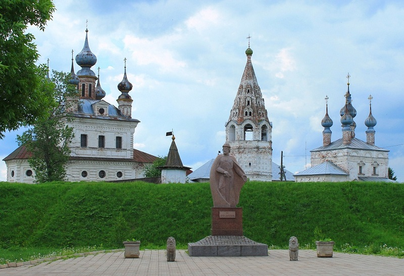 Памятник Долгорукому