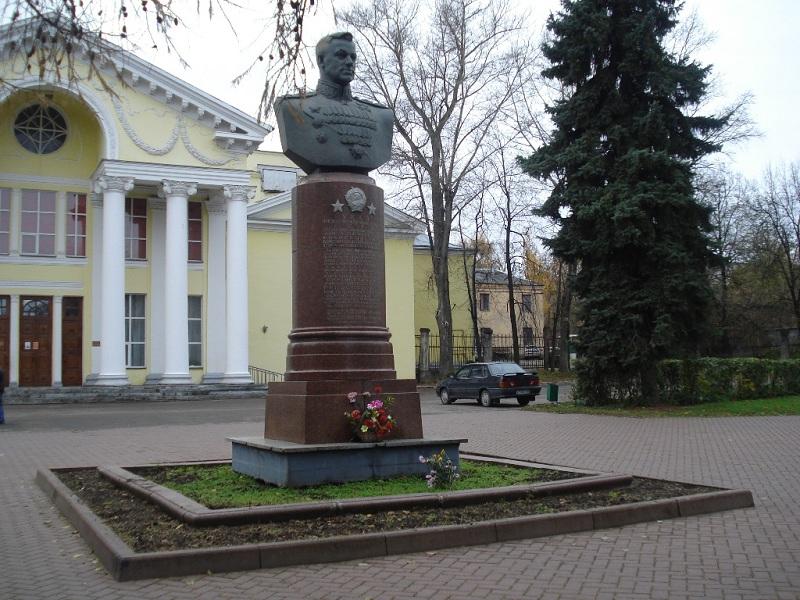 Памятник маршалу Советского Союза К.К. Рокоссовскому