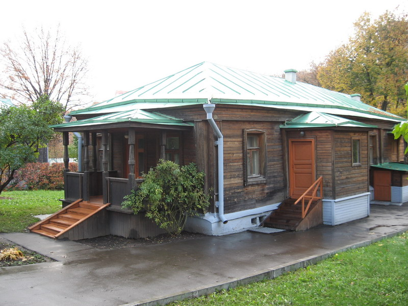 Историко-мемориальный музей-заповедник Подолье