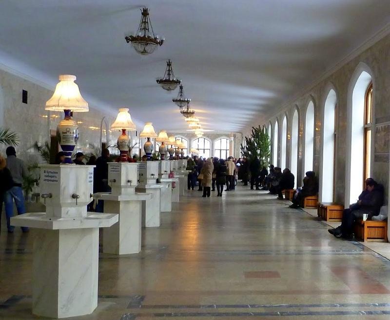 Нарзанная галерея внутри
