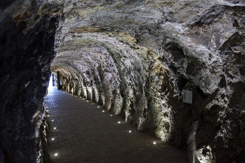 Пещера Провал