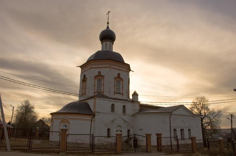 Усадьба Красное церковь