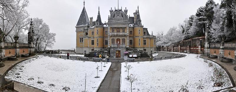 Массандровский дворец зима