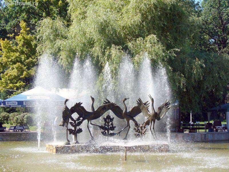 фонтан Танцующие журавли