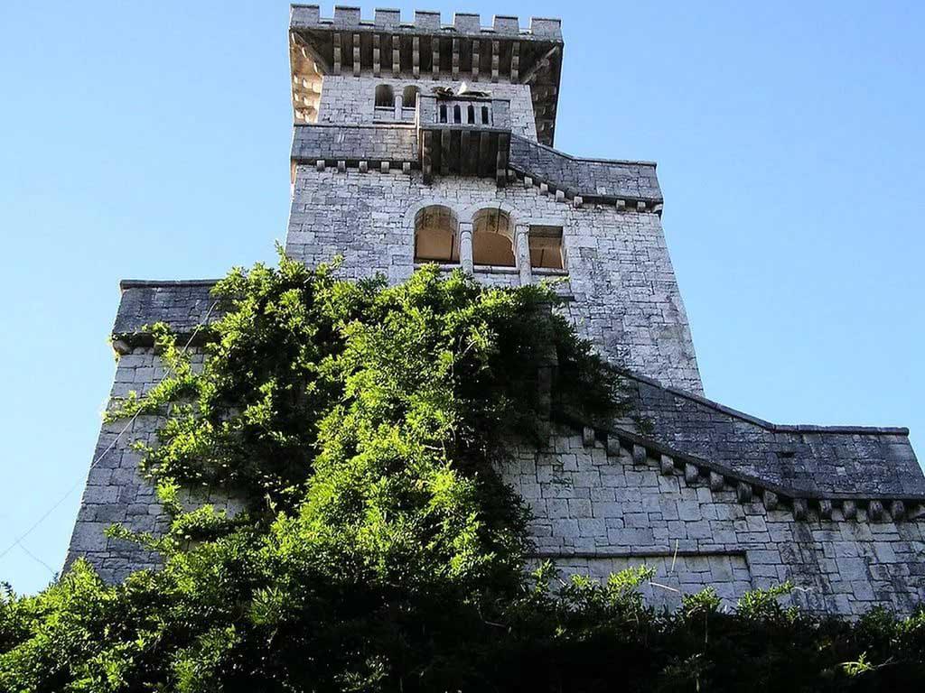 ахунская башня