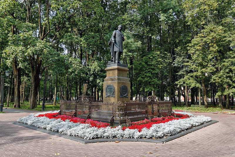 Городской сад имени М. И. Глинки