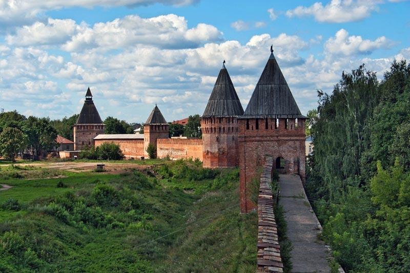 Каменная Смоленская крепость