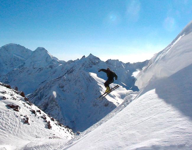 Лыжник на Эльбрусе