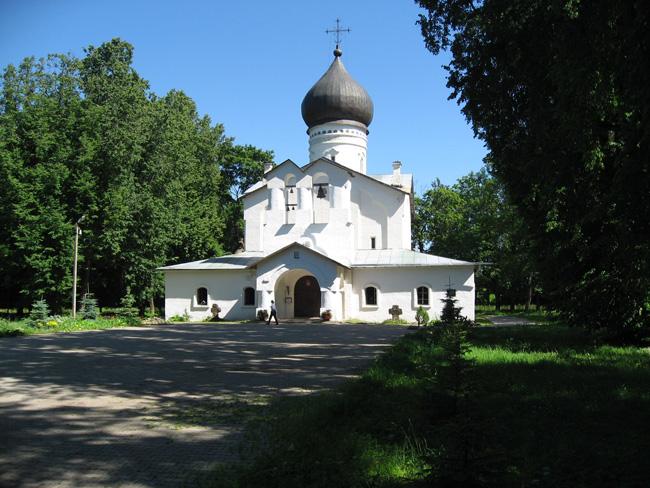 Гдов - Собор Державной Богоматери