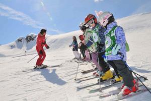 Детский лыжный инструктор