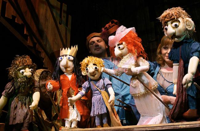Представление в театре кукол