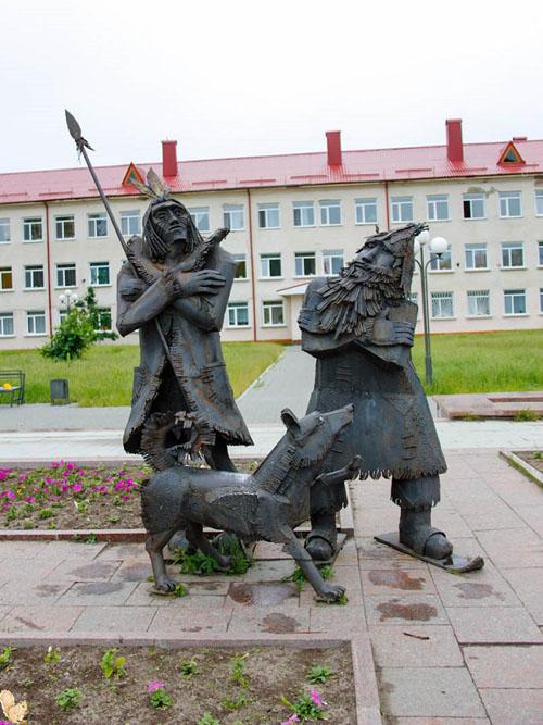 Робинзон Крузо, Пятница и собака Лайка