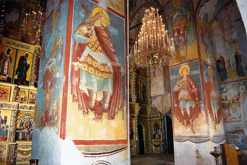 Успенский собор внутри