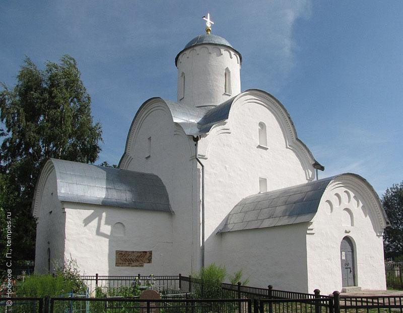 Церковь Успения в Волотово
