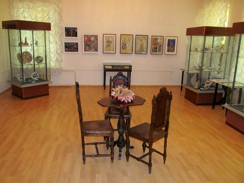 Ивангородский художественный музей внутри