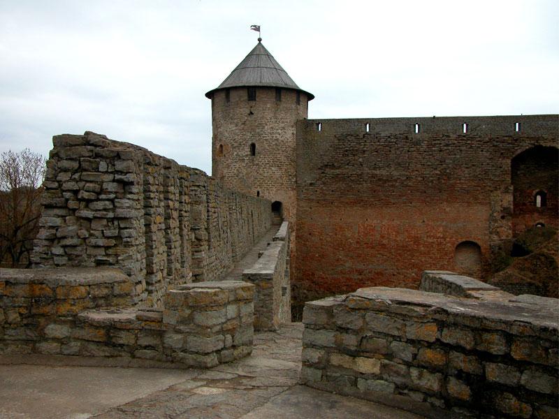 Крепость Ивангорода стены