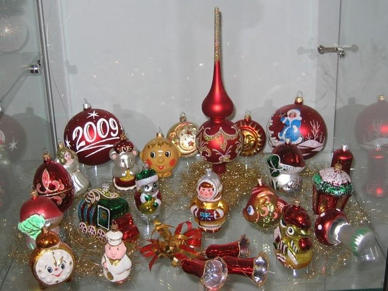 Музей рождественских и новогодних елочных украшений внутри