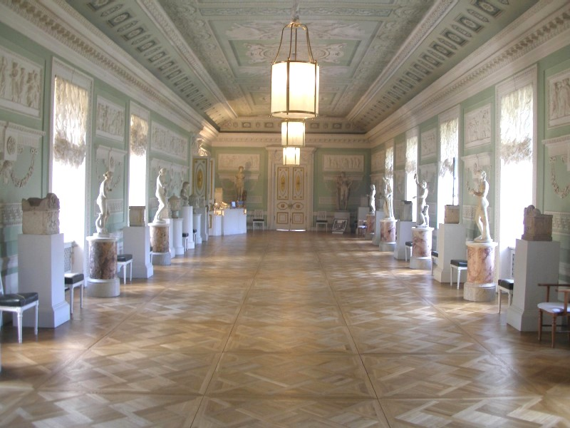 Павловский дворец внутри