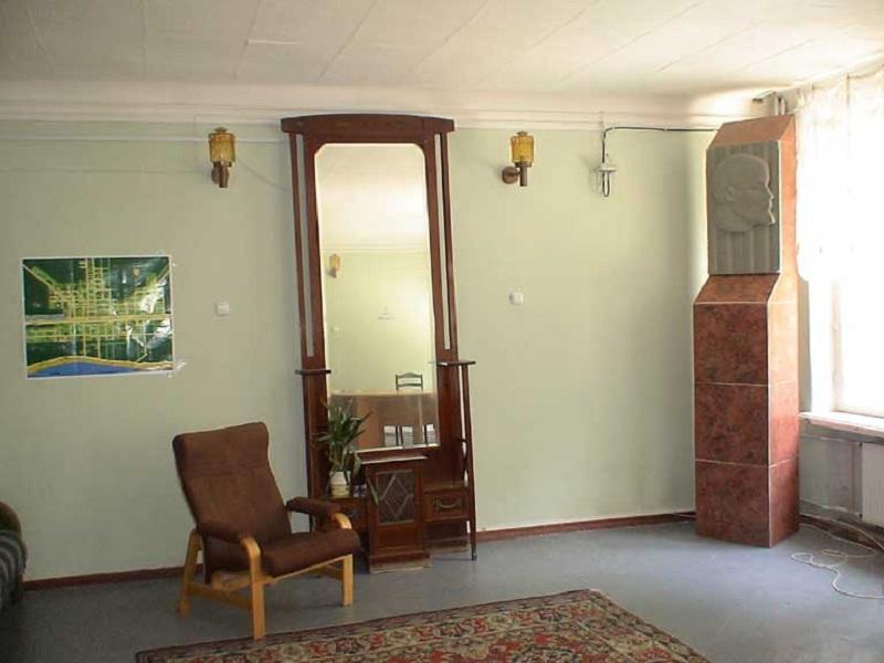 Дом творчества внутри