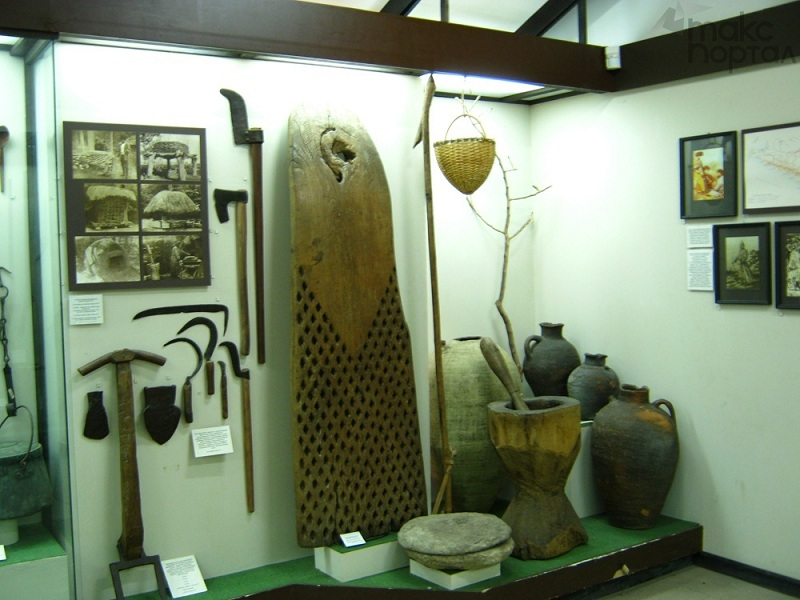 Лазаревский этнографический музей внутри