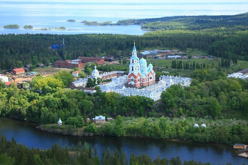 Спасо-Преображенский монастырь остров