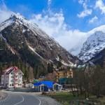 Как добраться и чем заняться на горнолыжном курорте Домбай: цены сезона 2018-2019, трассы, жилье, инфраструктура