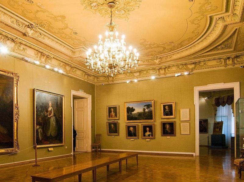 Краснодарский художественный музей внутри