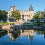 Что посетить и где погулять в Массандре: парки, дворец и винный завод