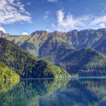 Где лучше отдыхать в Абхазии с детьми: выбираем курорт в 2019 году