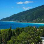 Куда съездить в Абхазии самостоятельно и с экскурсией: лучшие достопримечательности