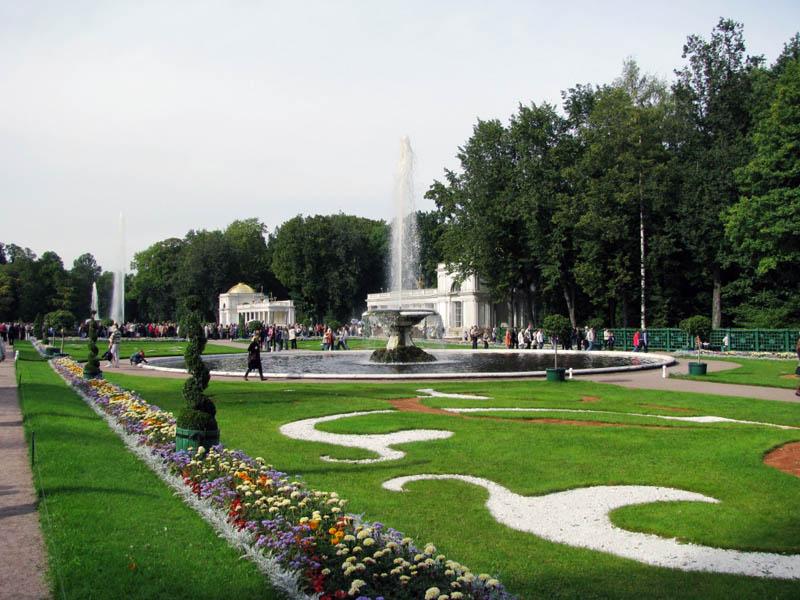 Петергоф нижний сад