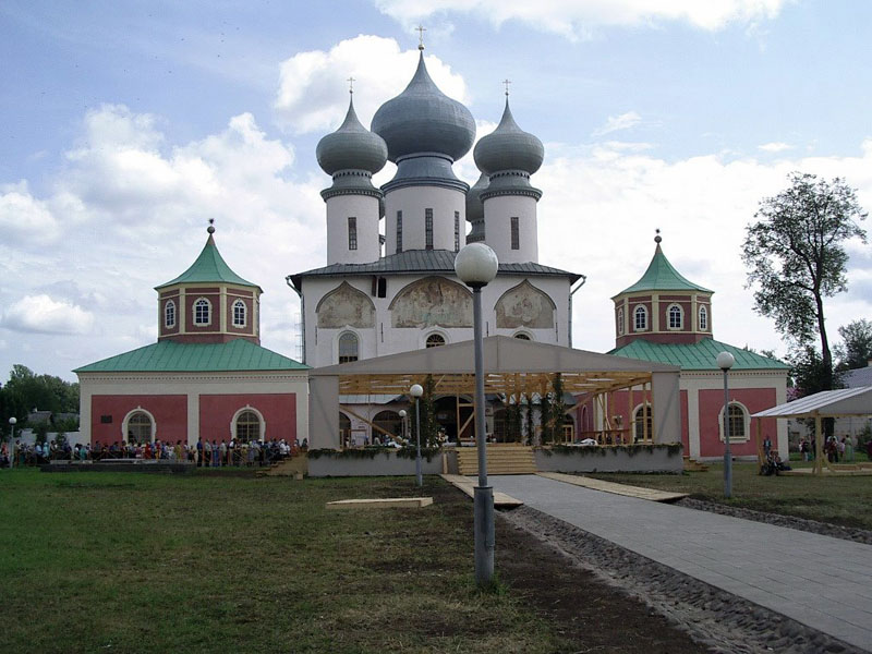Тихвин монастырь
