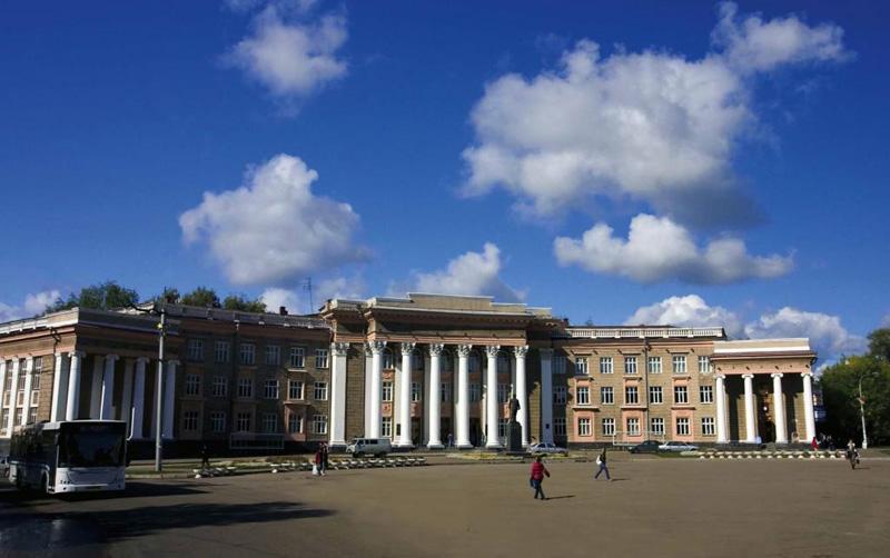 Дворец имени Орджоникидзе