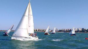 Где научиться управлять яхтой и получить международные права капитана в Крыму?