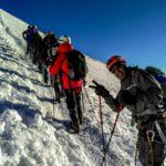 Как и сколько стоит совершить восхождение на Эльбрус в составе группы: маршруты с севера и юга