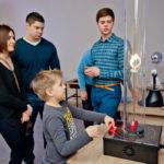 Школьные лагеря дневного пребывания в Санкт-Петербурге: куда пристроить подростка этим летом?