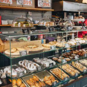 Лучшие кафе и рестораны Сочи: куда обязательно зайти пообедать или поужинать